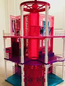 Deluxe Barbie House