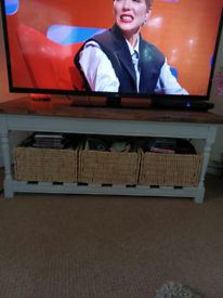 Shabby Chic coffee table or TV stand