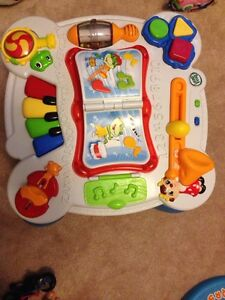 Leap frog table in great condition