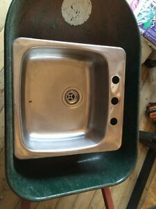 Single basin sink