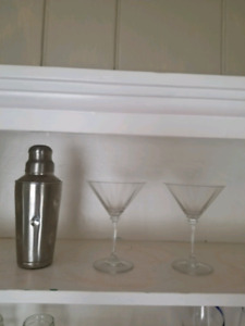 Martini shaker and crystal glasses