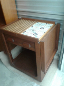 """Handcrafted Solid """"Mahogany"""" Tea-Trolley for the Collector!"""