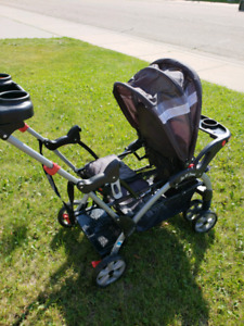 Like new sit and stand stroller
