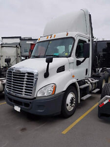 2011 Freightliner Cascadia Day Cab With Low KM'S