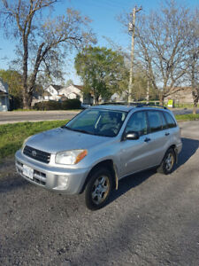 Toyota rav 4 2003 very good condition !!!!