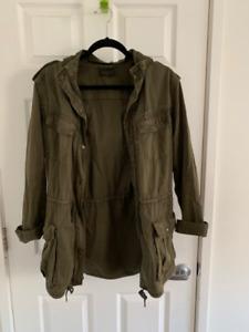 Aritzia trooper jacket, small