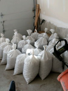 3/4 clear crushed stone in bags or loose pick up only