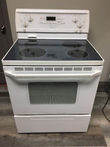 Whirlpool Gold Electric Range Works Good And Is Clean, Only $250