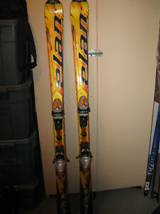 Nice set of Skis