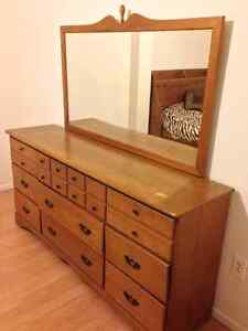Commode buy or sell dressers wardrobes in gatineau for Meuble antique kijiji