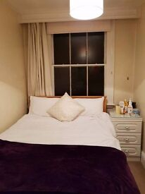 Double room with ENSUITE in Kensington