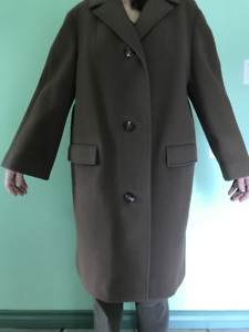 VINTAGE LADIES WOOL COAT
