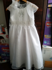 FIRST Communion girls dresses.(size 7 )