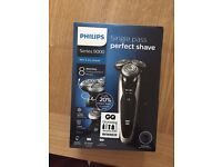 Selling new Philips shaver S9041/12 9000 Series Wet and...