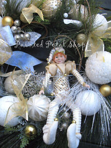 SALE--Christmas Elf Wreath/Gold/White/Champagne Holiday Wreath Belleville Belleville Area image 2