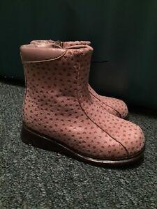 Girls Sz 8 Shoes & Boots St. John's Newfoundland image 1
