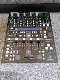 Bheringer DDM 4000 mixer