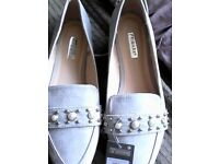 Ladies flat shoes size 6