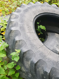 Front tractor tires 14.9R28