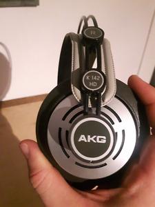 AKG K 142 HD Headphones