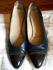 Designer Shoes-Salvatore Ferragamo Sz 8.5 Two-Tone (Blue/Black)
