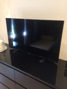 "Insignia 40"" LED TV"