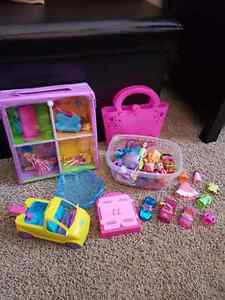 Polly Pockets with Accessories