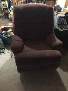 Great lazy boy recliner for a great price