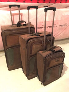 LUGGAGE SUITCASE 3 PIECE SET WITH CARRY ON, FANTASTIC