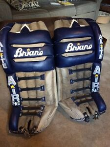 "Brian's a-lite, air pac, men's 33"" goalie pads"