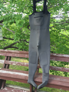 Dry Fly Neoprene Fishing Waders - Men's large. Excellent Cond!