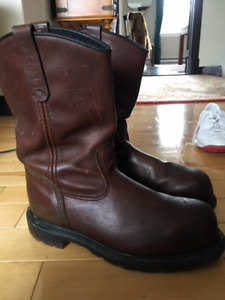 """Mens """"Red Wing"""" steel toe work boots"""