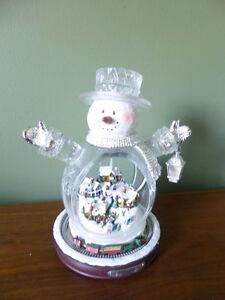 Thomas Kinkade White Christmas Crystal Snowman Village and Train Belleville Belleville Area image 2