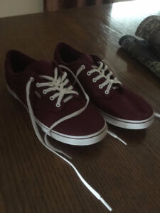 Vans; Women's ATWOOD LOW burgundy lace up sneakers