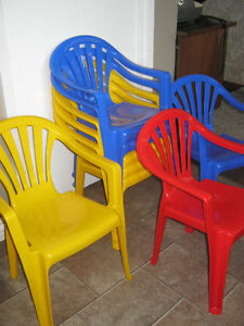 8 Plastic small children's chairs - EUC