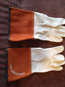 Tig welding gloves i have many pairs to sell