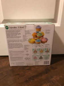 Wilton Cupcakes N' More Dessert Stand {New in Box}