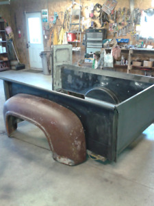 1951 FORD  BOX ,TAIL GATE AND  53 FENDER FOR SALE   506-783-3260