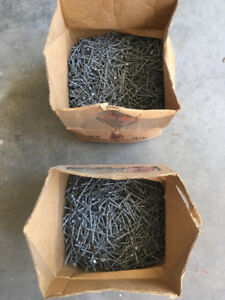 """2.5"""" and 3.5"""" Galvanized Spiral Nails"""