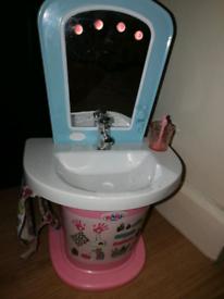 Baby born water fun washbasin.