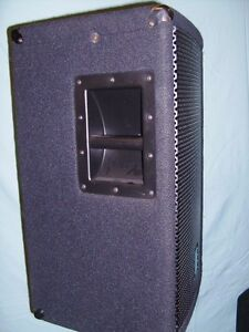 Yorkville M1610 Pwr Mixer Package PA system  ELITE speakers Windsor Region Ontario image 5