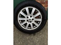 Range Rover 18 alloy wheels and tyres