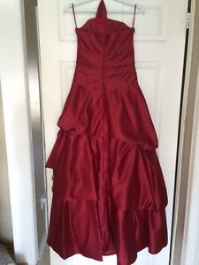 Red A-line princess cut formal gown / bridesmaid dress Cambridge Kitchener Area image 8