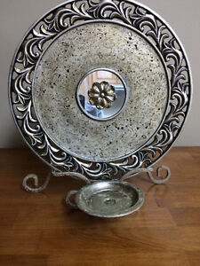 CHARGER PLATE WITH STAND & CANDLE HOLDER