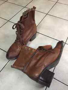 Leather ankle boots from Aldo