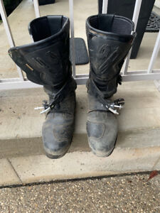 Motorcycle riding boots - Sidi (size 47) and Dianese (size 12.5)