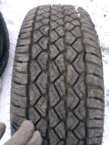 1x pneu 225/70R15 hiver Neuf