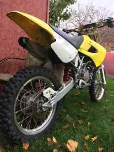 RM-85 Suzuki 2-stroke DIRT BIKE fast pit bike Kitchener / Waterloo Kitchener Area image 2