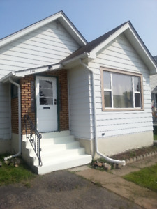 Clean and Fresh 2 Bedroom Home