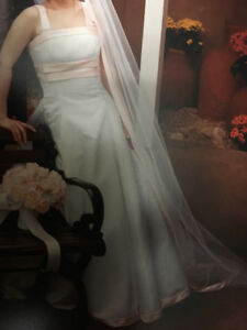 Wedding gown size 0